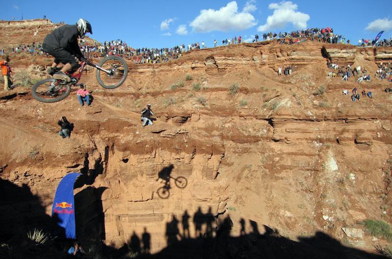 Die Zuschauer strömen über Jahre hinweg in Heerscharen an die Red Bull Rampage in Utah.