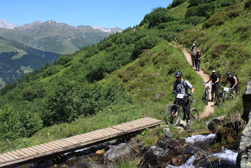 wandern biken konflikt trail wanderweg