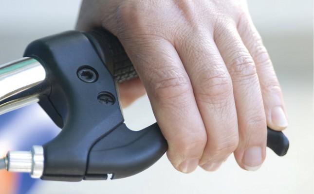 Bike Bremsen Scheibenbremse korrekt einstellen - Fingerabstand