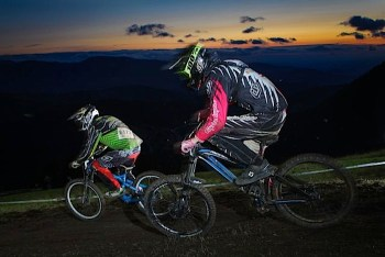 24 Stunden Downhill RACE THE NIGHT 2013