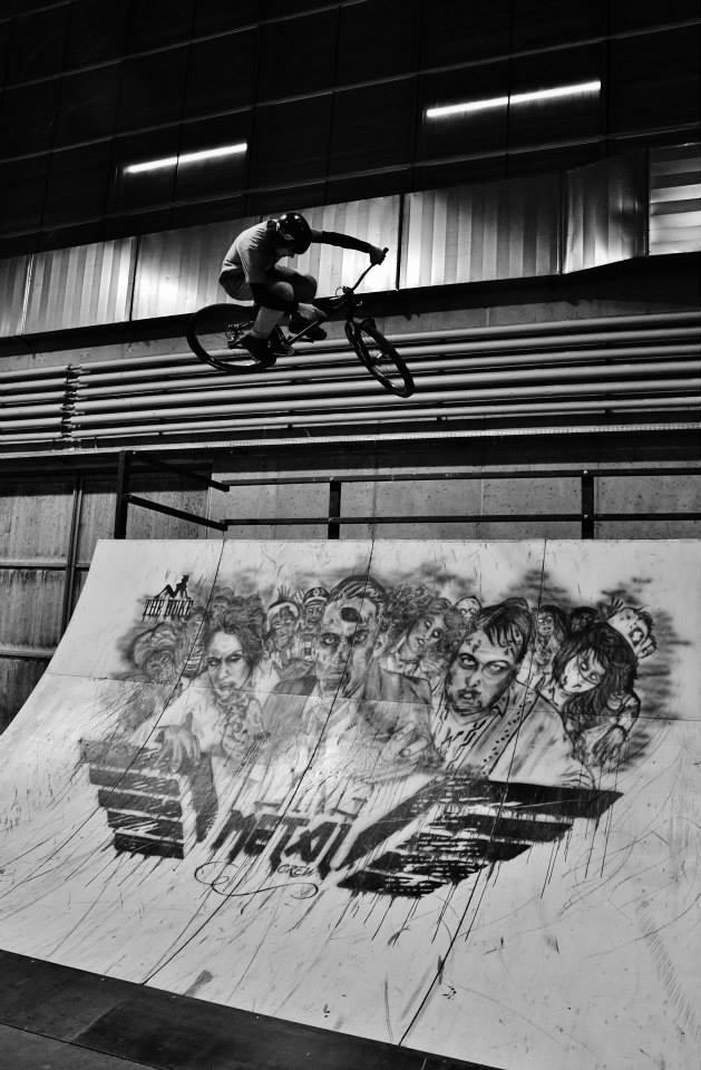bikehalle huttwil indoor bikepark dirtjump