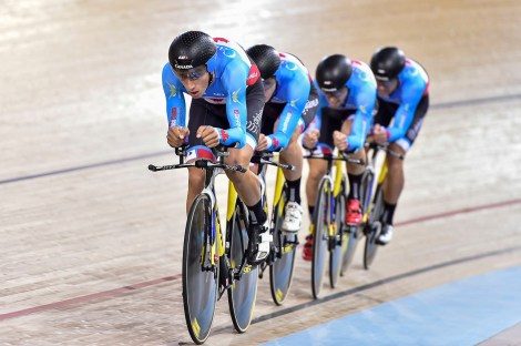 Men Team Pursuit - Canada w. Jamieson at front