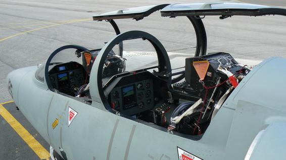 fly fighter jet l39 albatros switzerland