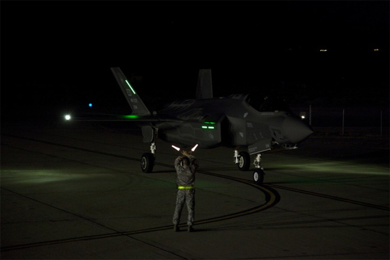 f-35 night flight