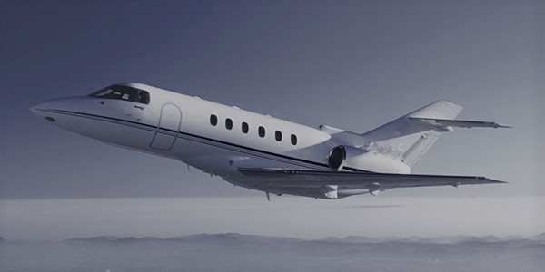 Sublime Air View Of The Hawker 700 In Mid-Flight