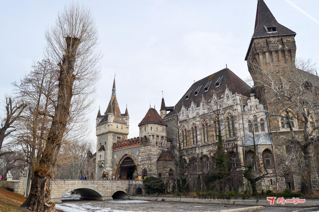 Castillo en el Parque de la Ciudad
