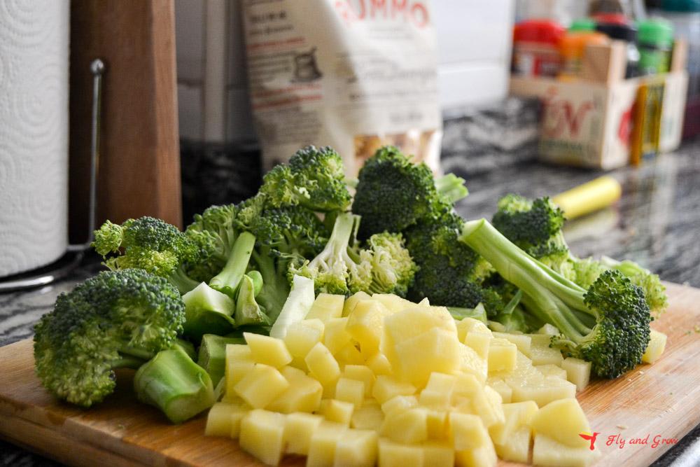 Ingredientes pasta con brócoli y patata