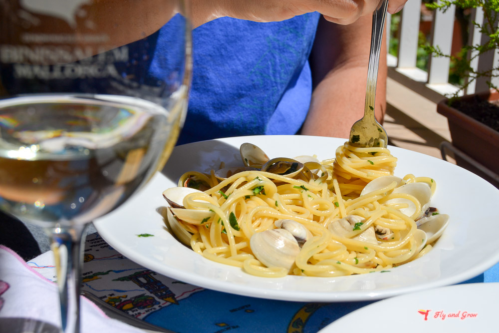 Espaguetis con almejas receta italiana