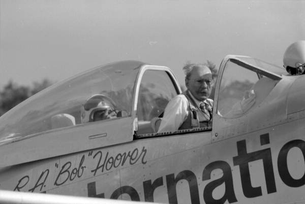 Bob-Hoover-in-P-51-Old-Yeller