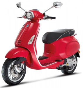 scooter vespa rouge