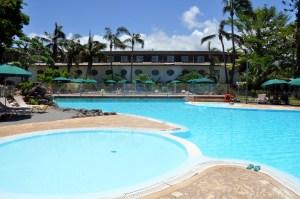 piscine novotel saint gilles