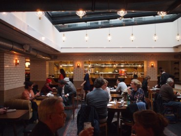 Restaurant Hoxton hotel Lotti's relaxt