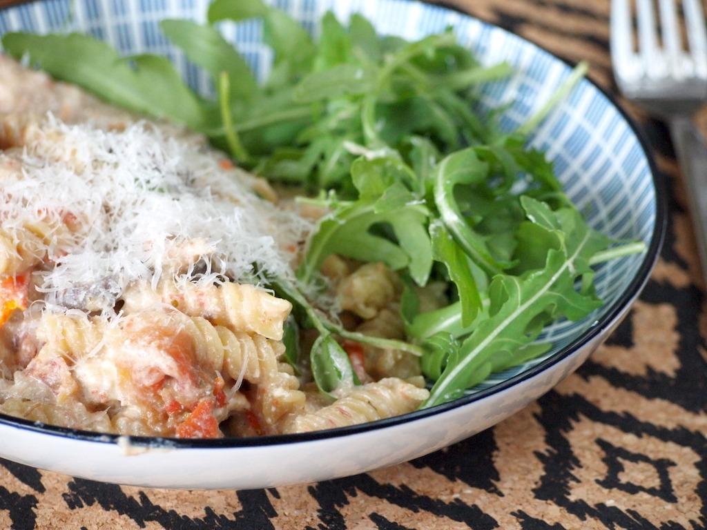 1 pans pasta met en zongedroogde tomaten