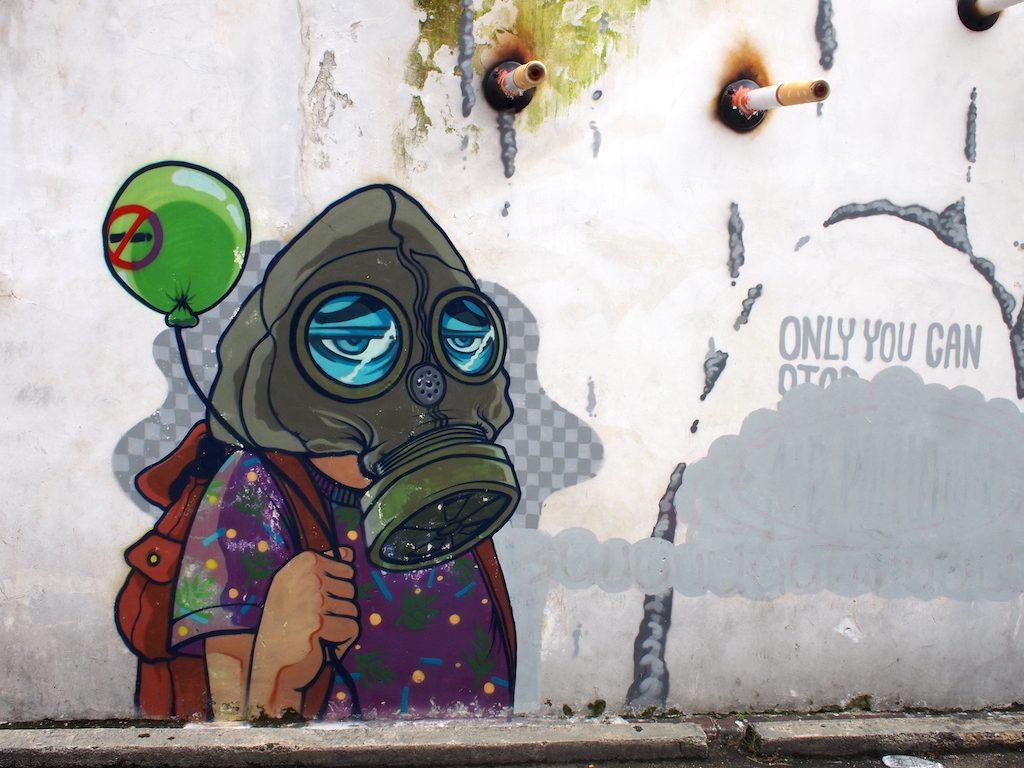 Streetart Penang met gasmasker