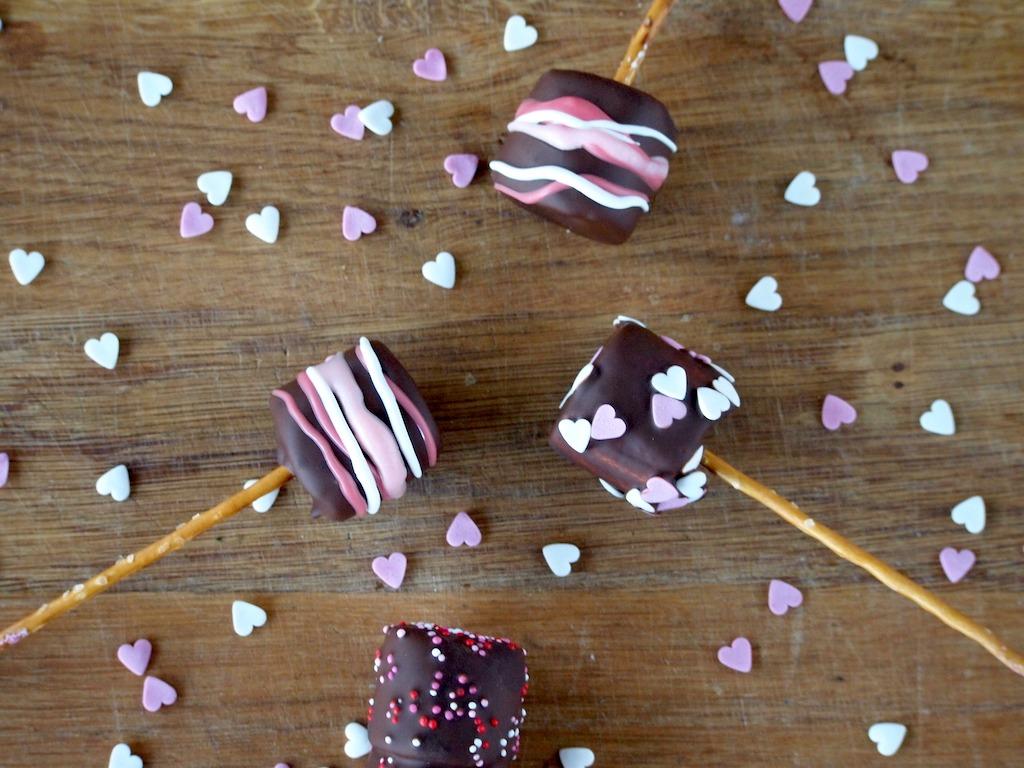 Valentijns traktatie met marshmallows en chocolade
