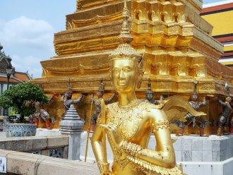 Buddha-standbeeld-goud-grand-palace