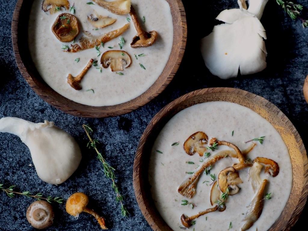 kommen romige paddenstoelensoep
