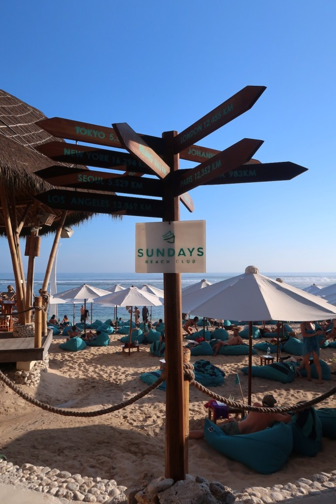 Sundays beachclub Uluwatu