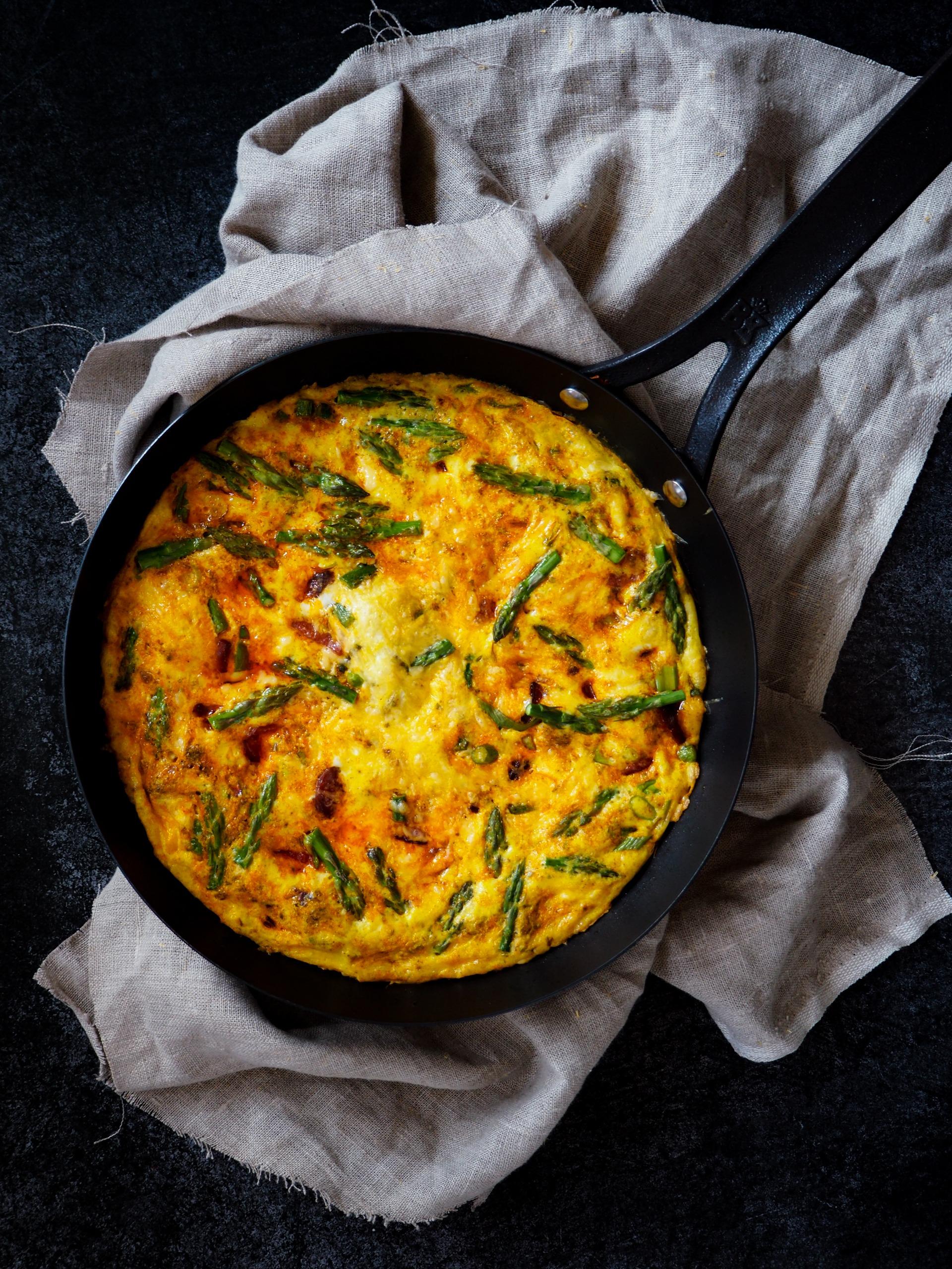 Boerenomelet met chorizo en asperges koolhydraatarme maaltijd