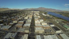 A look up Wenatchee Avenue