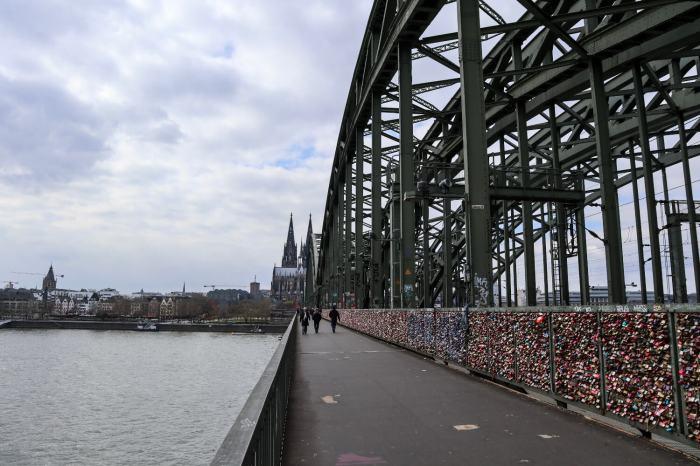 Things To Do in Köln, Cologne, Travel Guide, Hohenzollernbrücke 2