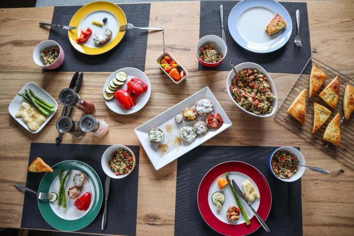 Einfacher und erfrischender Couscous-Salat zum Grillen