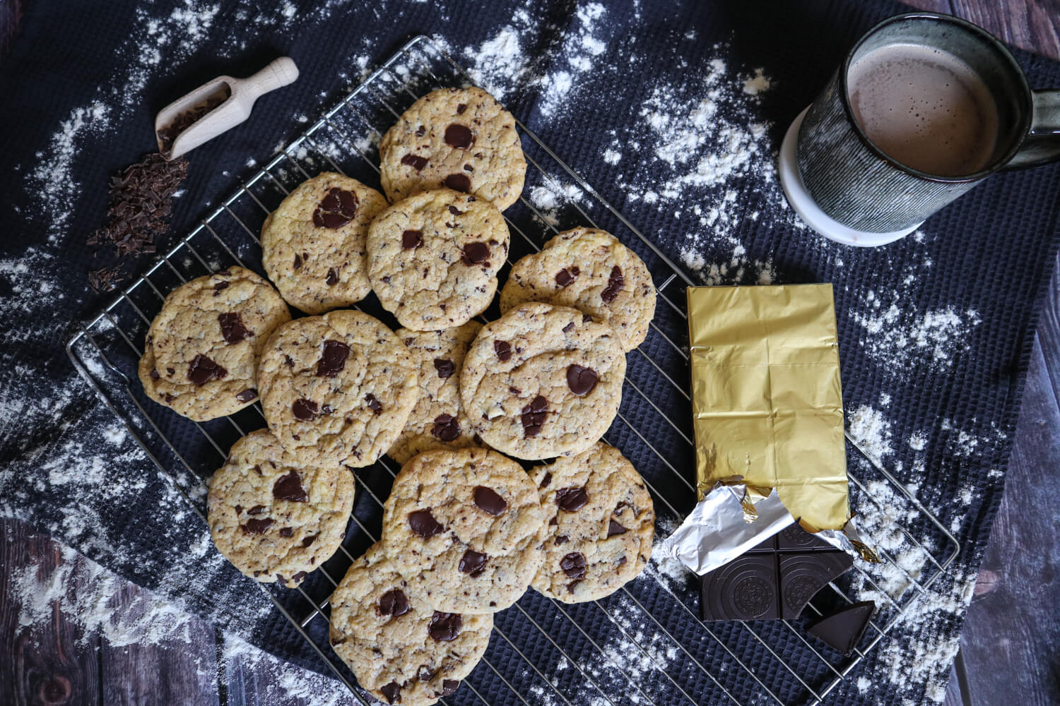 VEGANE Chocolate Chip Cookies, soft & chewy