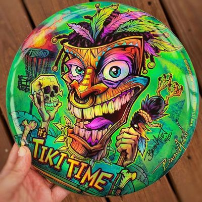 I have a couple of these Tiki Time metallic foil discs left over from the LE run of 40 - would love to clear them out before the end of the year, so I'm marking them down to $25 - let me know if you'd like one! Thanks for looking!https://www.flylanddesigns.com/product-category/disc-golf-discs/#tiki #discgolf #frisbeegolf #discraftdiscs #teamdiscraft #discraft #disc