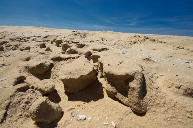 Minicanyons im Sand    Foto: © Ulf Cronenberg, Würzburg