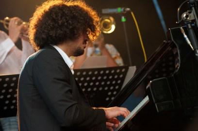 Josef Ressle (Klavier); Monika Roscher Bigband, Würzburger Hafensommer 2013 // Foto: © Ulf Cronenberg