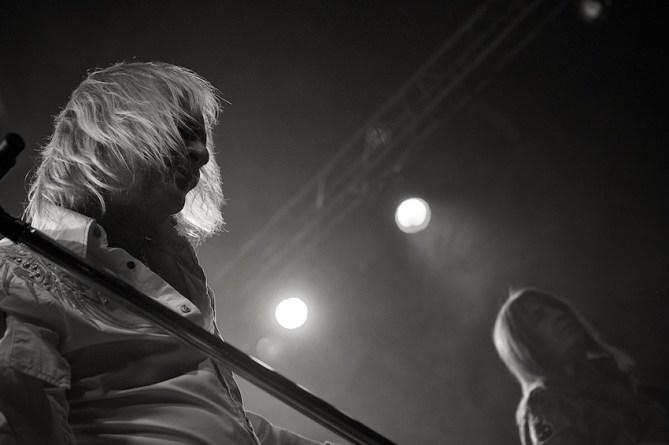 Bernie Shaw am Mikrofon    Foto: © Ulf Cronenberg, Würzburg