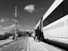 Warten am Bahnhof No. 2    Foto: © Ulf Cronenberg