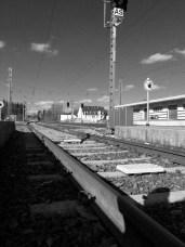 Warten am Bahnhof No. 7 || Foto: © Ulf Cronenberg