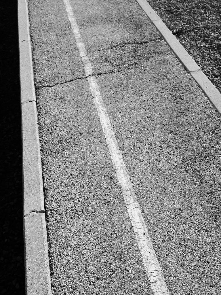 Warten am Bahnhof No. 10 || Foto: © Ulf Cronenberg
