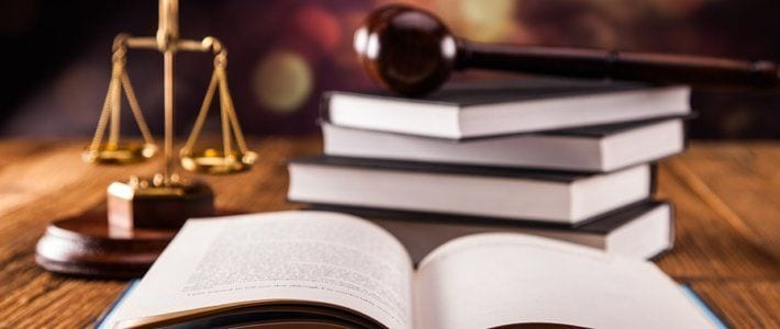 Sentencia sobre la libre designa de abogado en accidente de tráfico