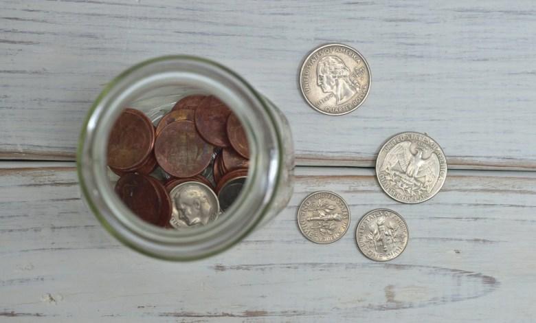 poverta risparmi scaled | F-Mag Povertà e diritti, dal Parlamento Europeo la richiesta di salario minimo