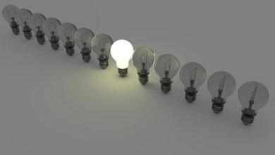 Lampadine, luce, energia elettrica, bollette, utenze domestiche