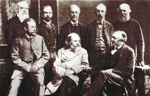 Mendeleev (al centro). Manchester, 1887