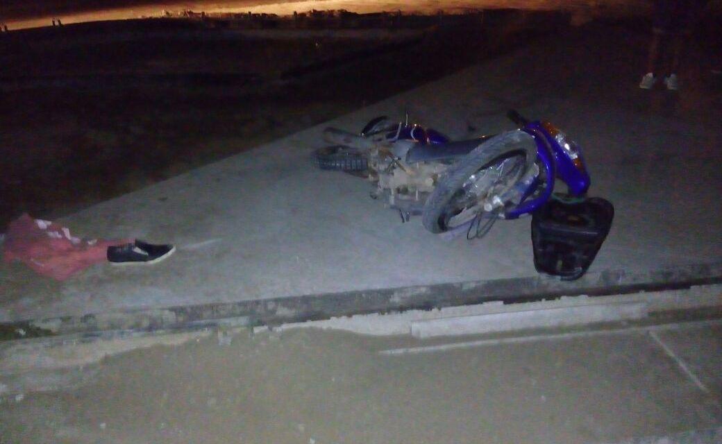 Impacto vial en solitario con motociclista lesionado