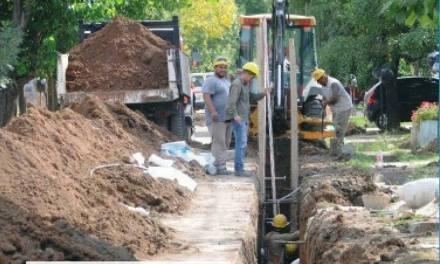 700 vecinos beneficiados con la obra de cloacas