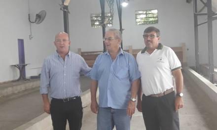 El Intendente Carasso visitó la obra de canchas sintéticas del Club Defensores