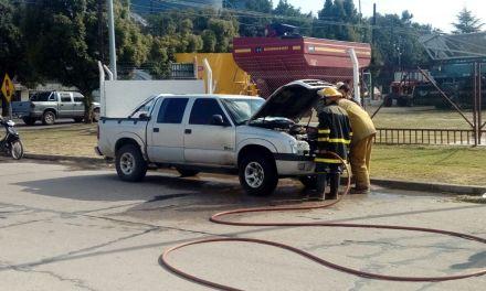 Principio de incendio de una camioneta