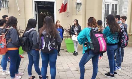 Alumnos participaron de la Feria de Empleo Joven.
