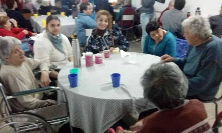 """Grupo """"Nuevas Esperanzas"""" visitó el Geriátrico"""