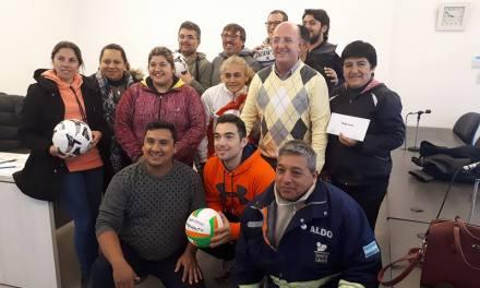 ENTREGA DE SUBSIDIO Y MATERIALES A INSTITUCIONES DEPORTIVAS