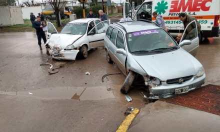Accidente entre dos vehiculos en Av. San Martín y Las Heras.