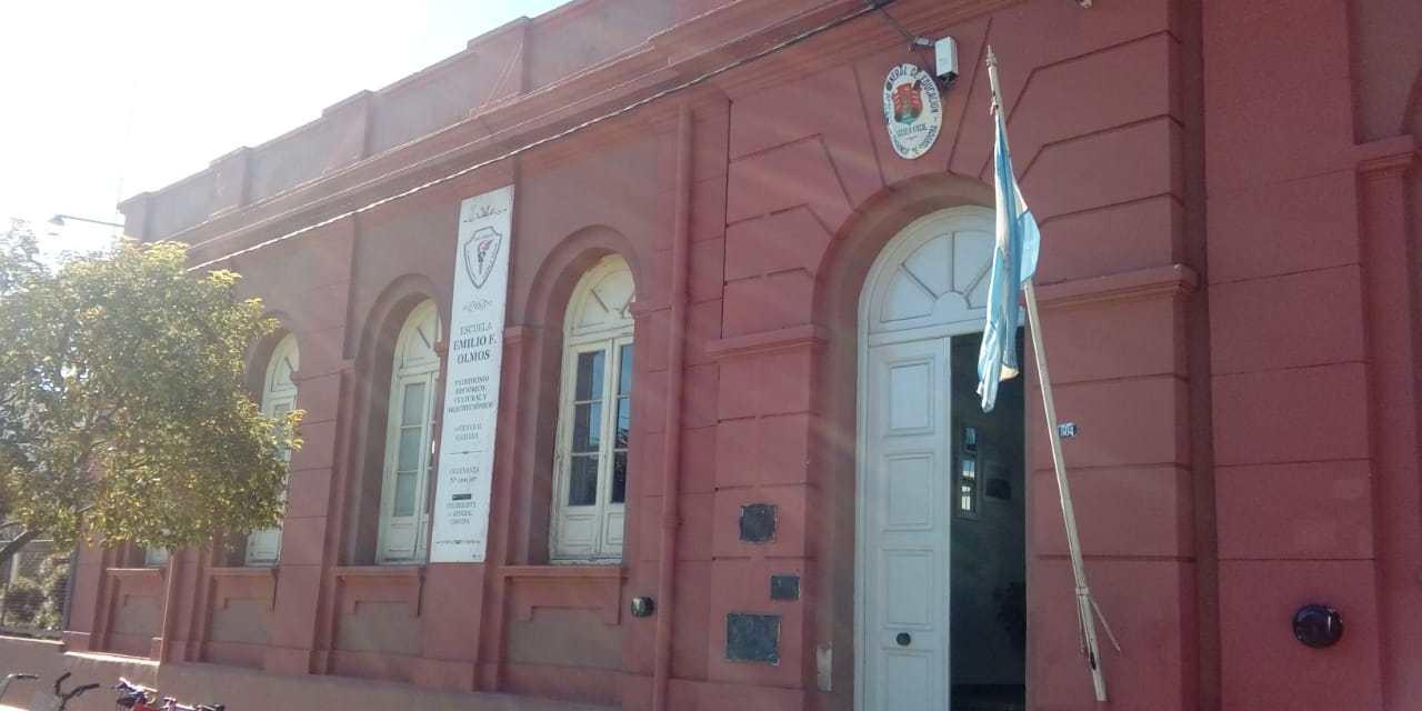 Ganadores rifa Día de la madre y sede de cierre de las actividades del PNFS en escuela Olmos
