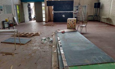 Obras de mantenimiento y pintura en la escuela José María Paz
