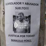 Pegatinas en la ciudad en contra de Pérez