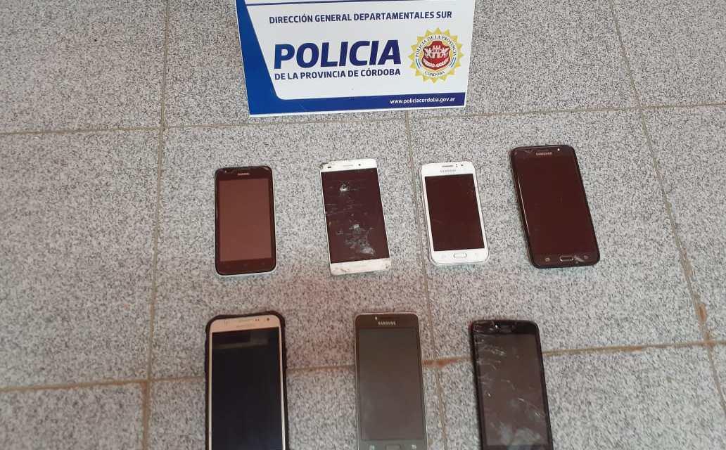 General Deheza-Tras allanamiento se secuestraron 7 celulares a un menor